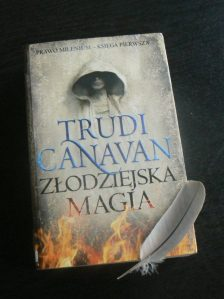 Trudi Canavan Złodziejska magia