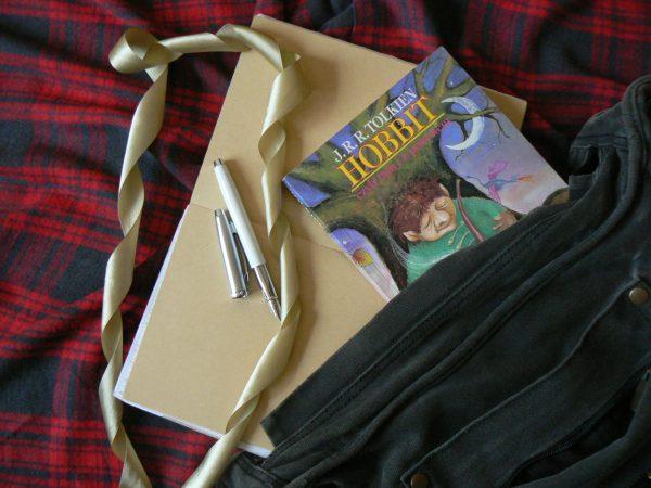 torba, hobbit j. r. r. Tolkien, pióro wieczne, wstążka
